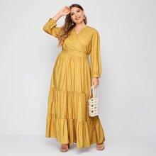 Kleid mit Blatt Muster, V Ausschnitt vorn und Rueschenbesatz
