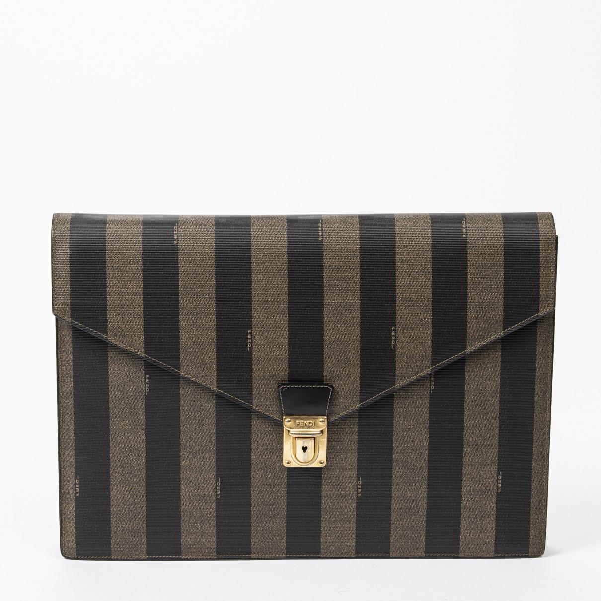 Fendi \N Handtasche in  Schwarz Leder