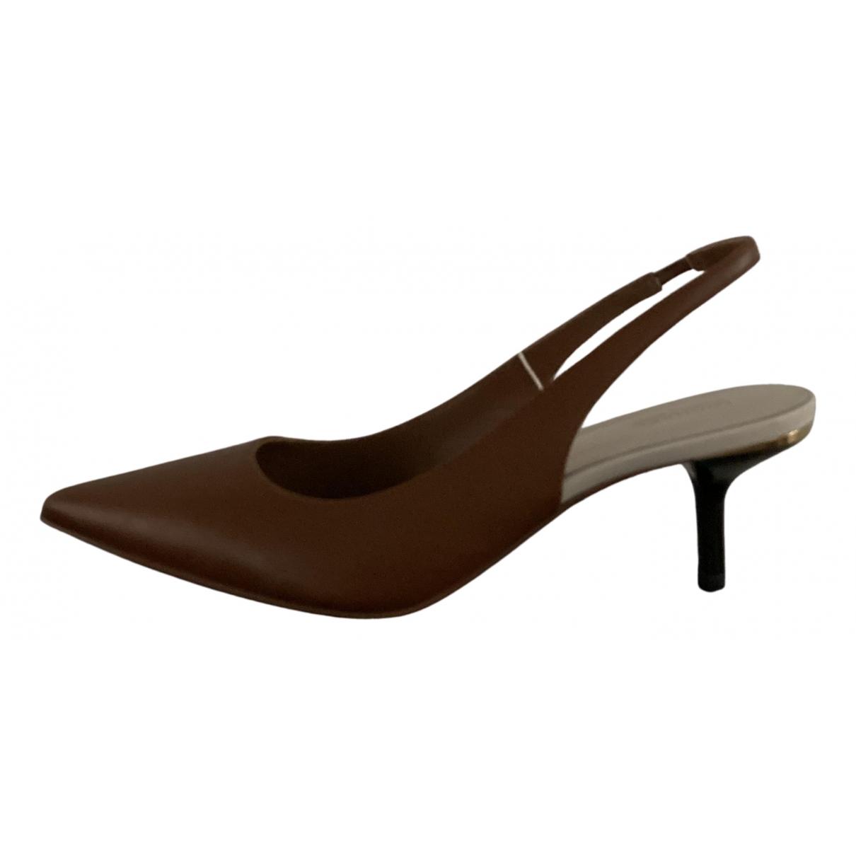 Michael Kors - Escarpins   pour femme en cuir - marron
