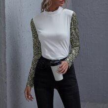Strick T-Shirt mit Stehkragen, Kontrast und Leopard Muster an Ärmeln