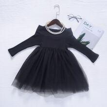 Schulterfreies einfarbiges Kleid