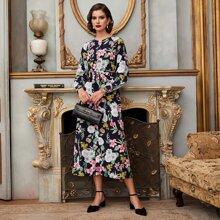 Kleid mit Knopfen, Blumen Muster und Guertel