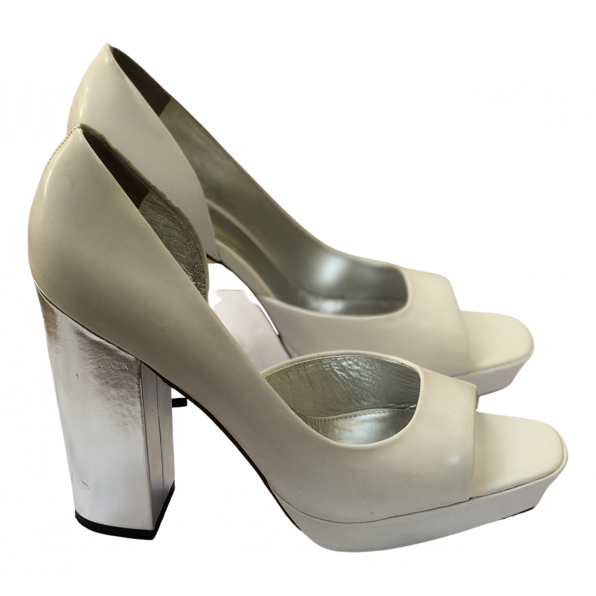 Versus \N White Patent leather Heels for Women 38 EU