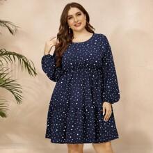 Kleid mit Dalmatiner Muster, Schluesselloch hinten und Rueschenbesatz