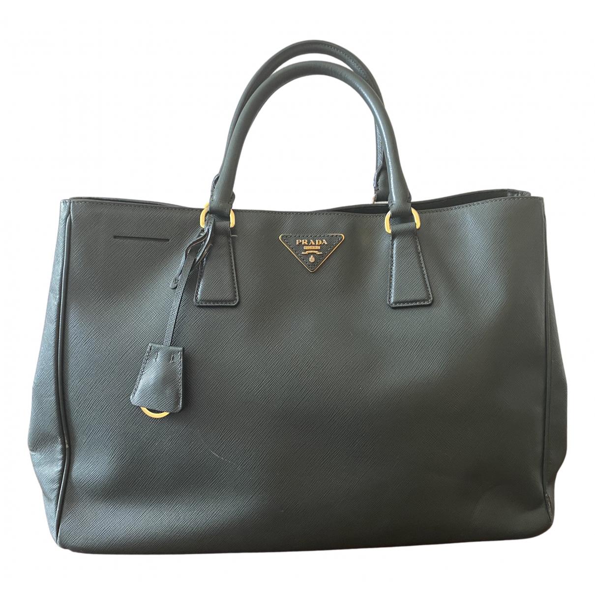 Prada saffiano  Green Leather handbag for Women N