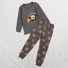 Conjunto de pijama con estampado de slogan y leon de dibujos animados