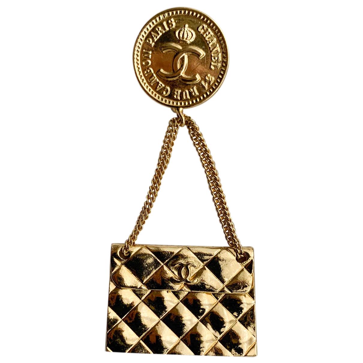 Broche Matelasse en Metal Dorado Chanel