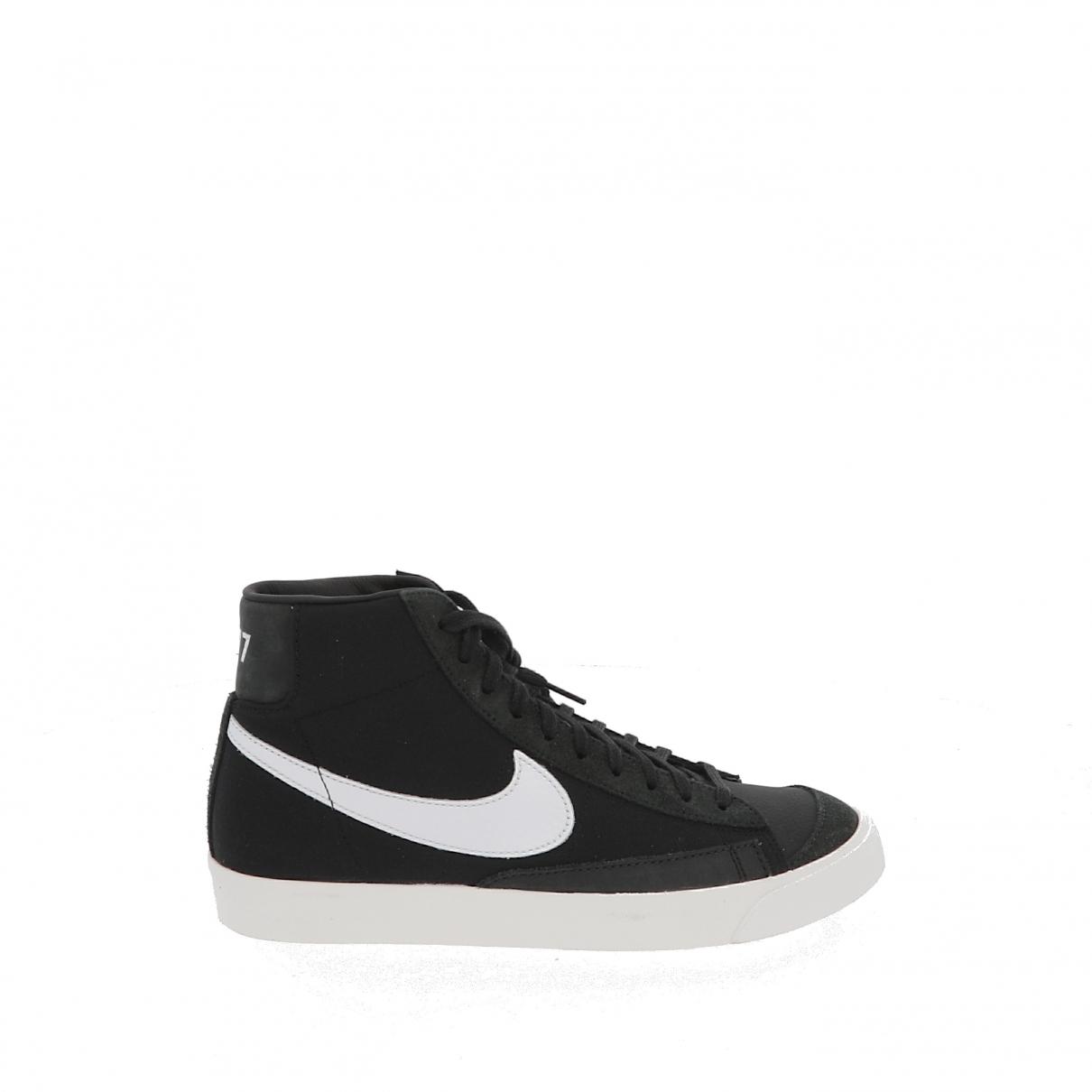 Nike Blazer Sneakers in  Schwarz Leder