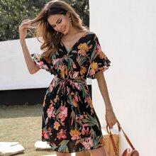 Kleid mit Blumen Muster, Schosschenaermeln und Taillenband