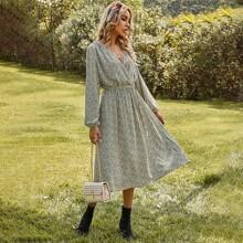 Kleid mit komplettem Muster, V Kragen und Guertel