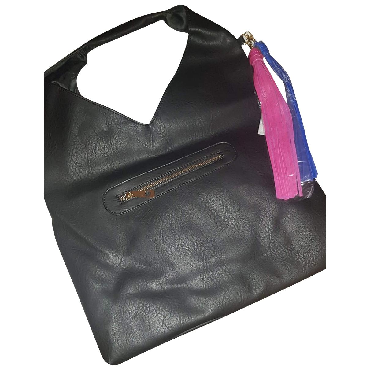 Asos \N Handtasche in  Schwarz Leder