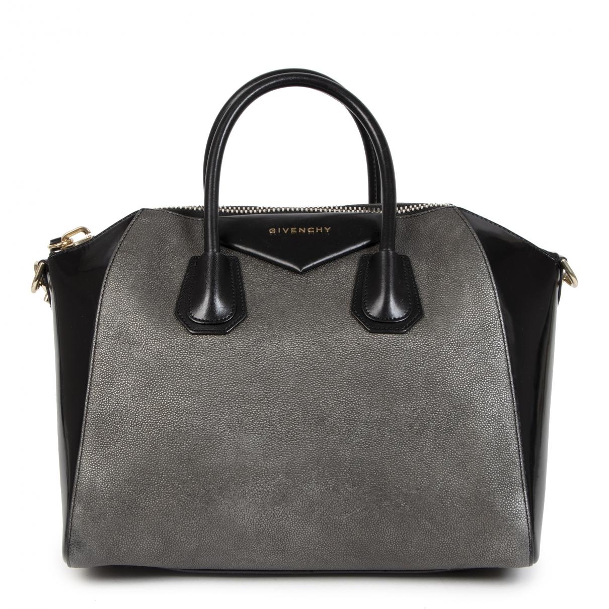 Givenchy Antigona Handtasche in  Grau Lackleder