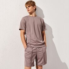 Men Seam Front Solid Top & Shorts Set