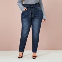 Jeans in Ubergrosse mit Papiertasche Taille, ungesaeumtem Saum und Guertel