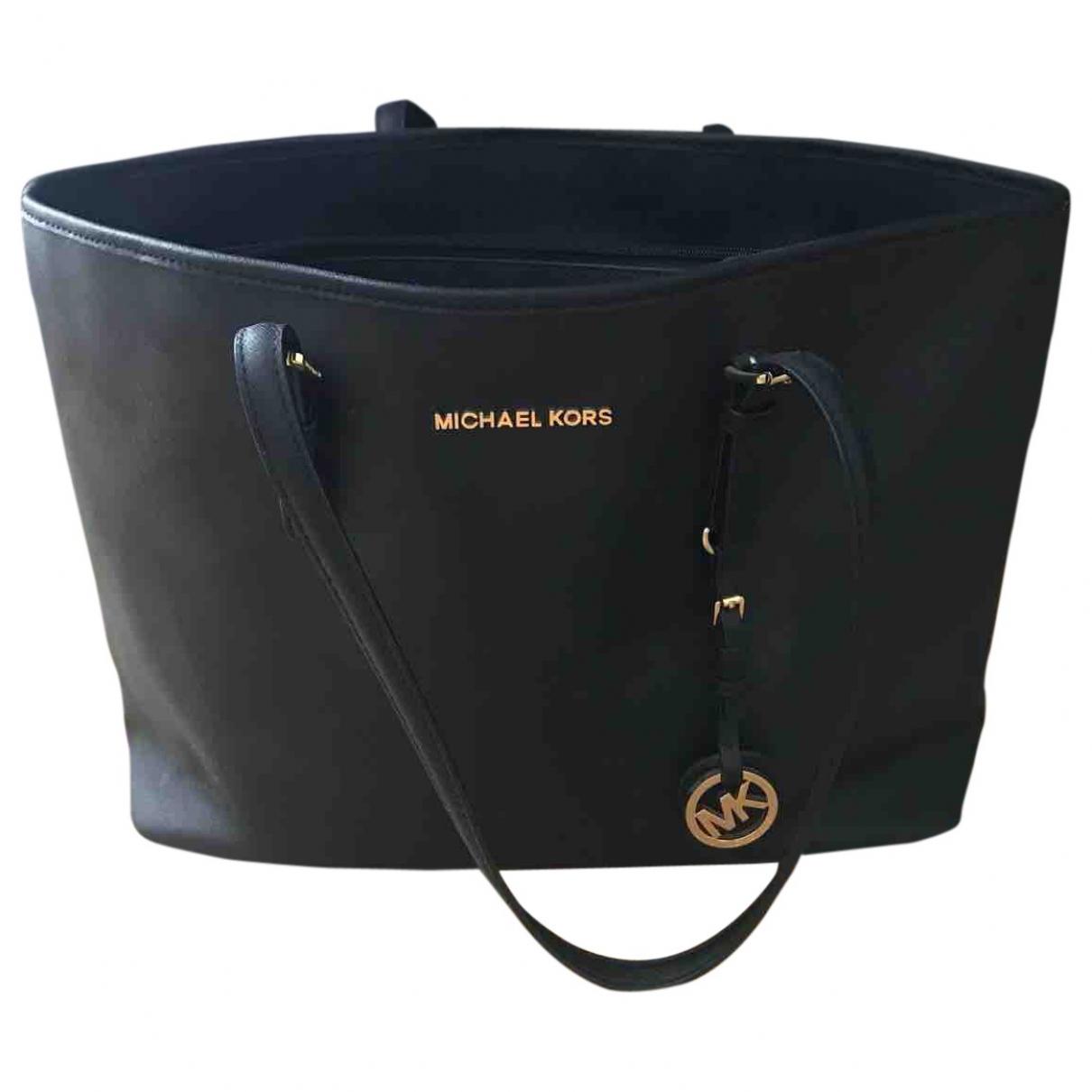 Michael Kors Jet Set Handtasche in  Schwarz Leder