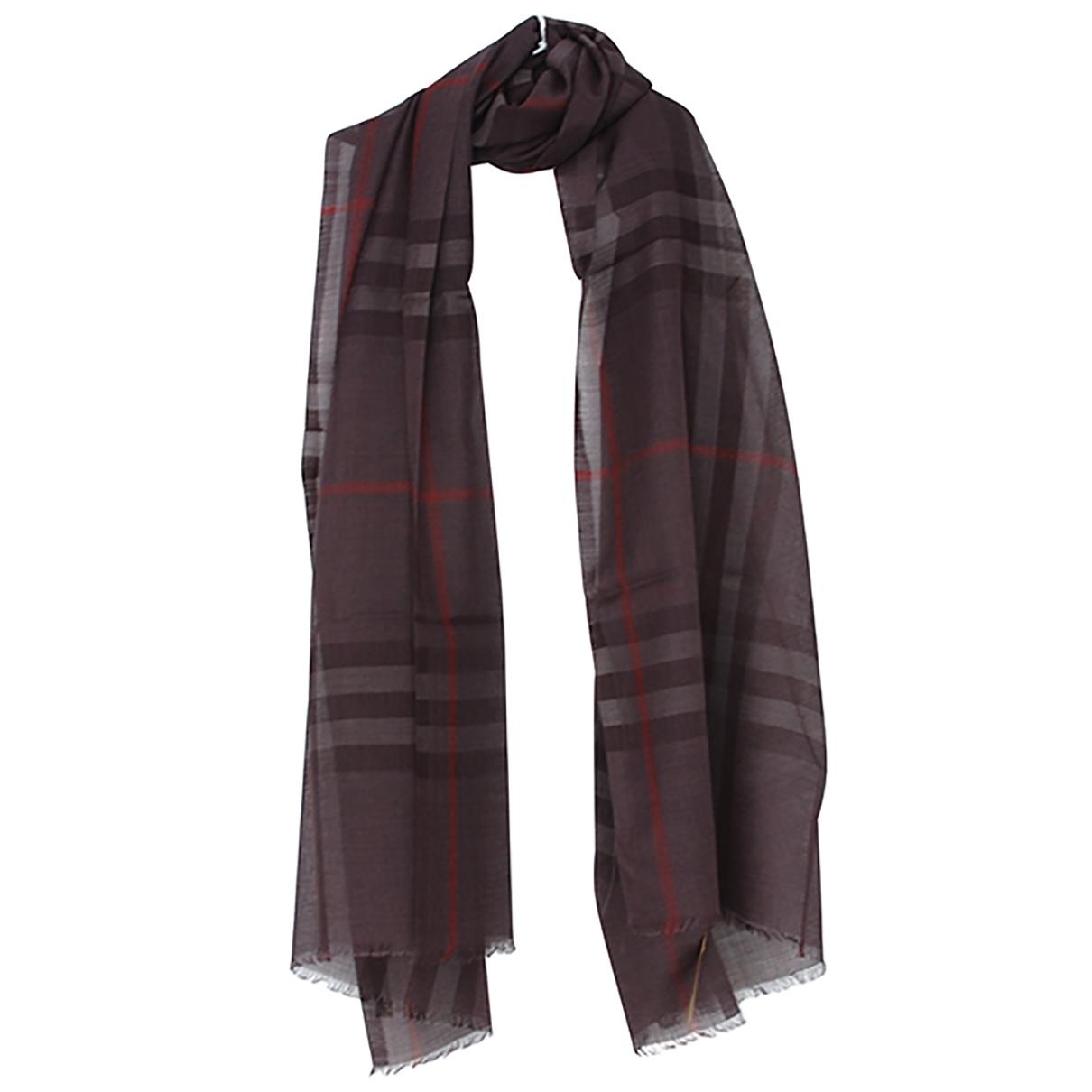 Burberry N Black Wool scarf for Women N