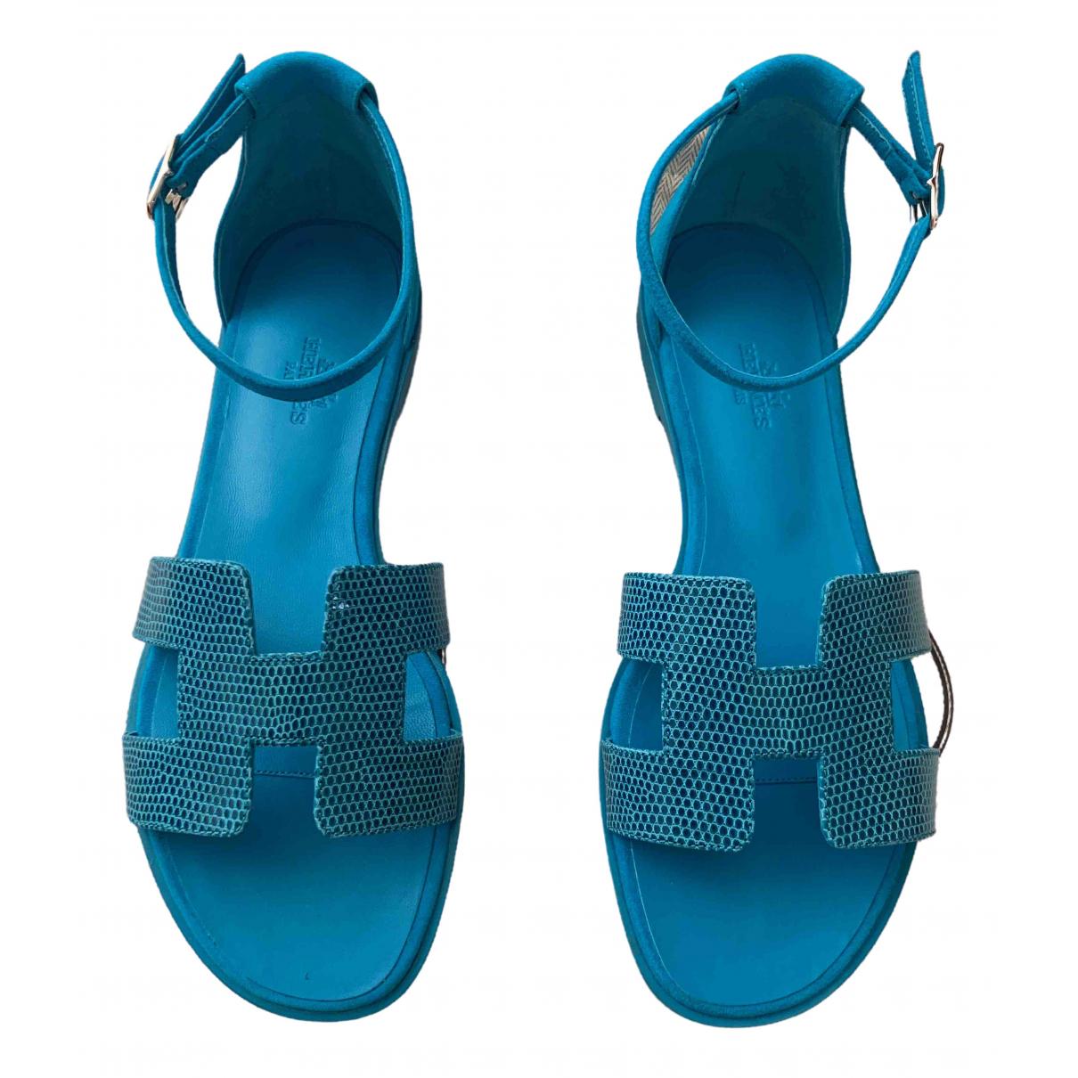 Hermes Santorini Sandalen in  Blau Echse