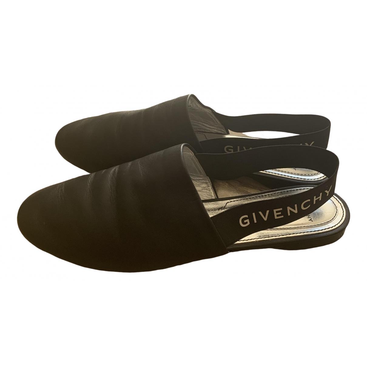 Givenchy \N Mokassins in  Schwarz Leder