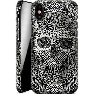 Apple iPhone XS Smartphone Huelle - Lace Skull von Ali Gulec