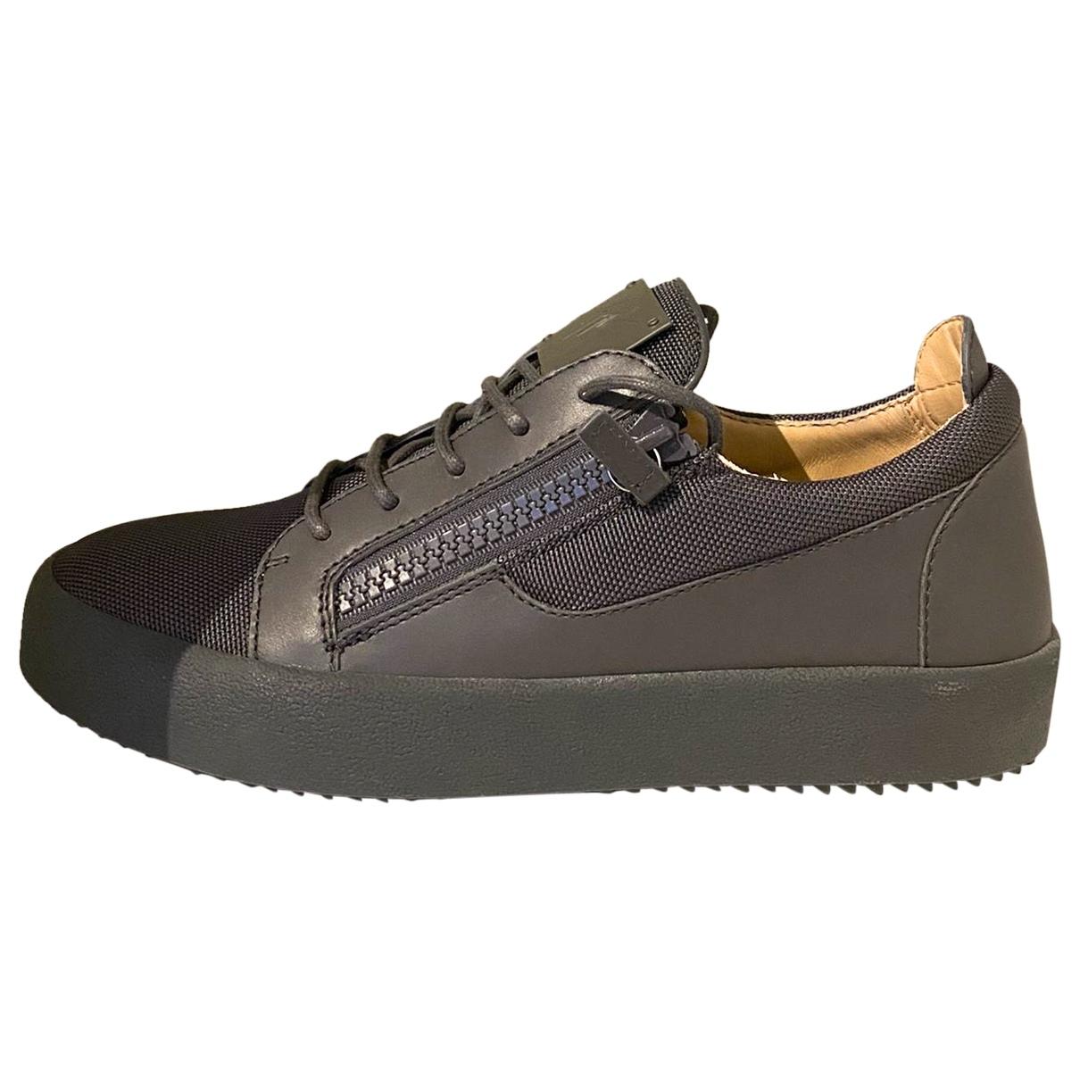 Giuseppe Zanotti \N Sneakers in  Anthrazit Leinen