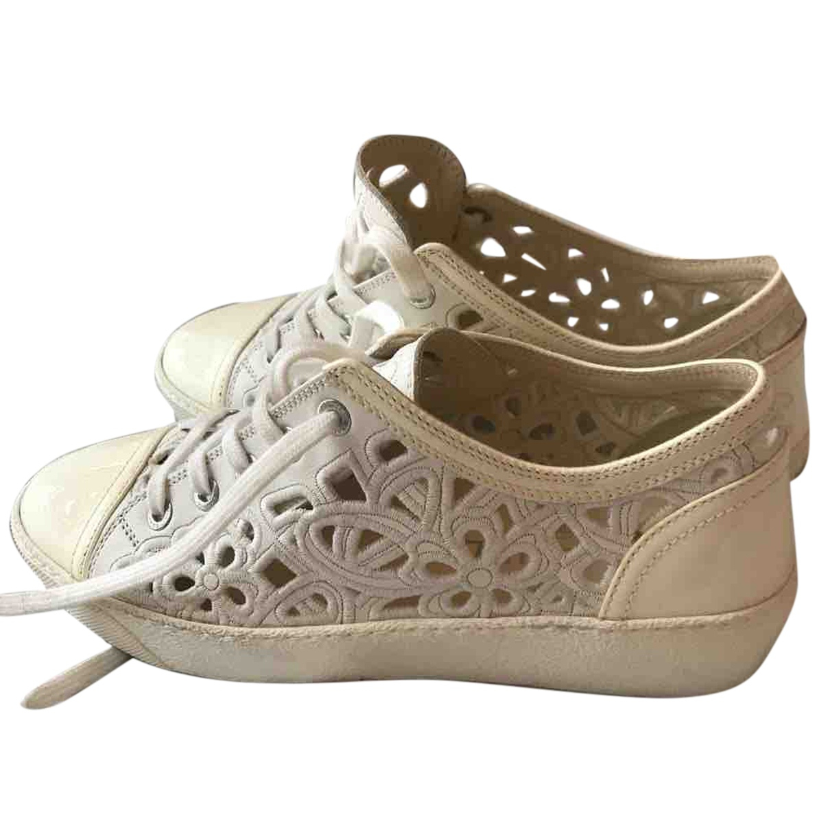 Chanel N White Cloth Trainers for Women 36 EU