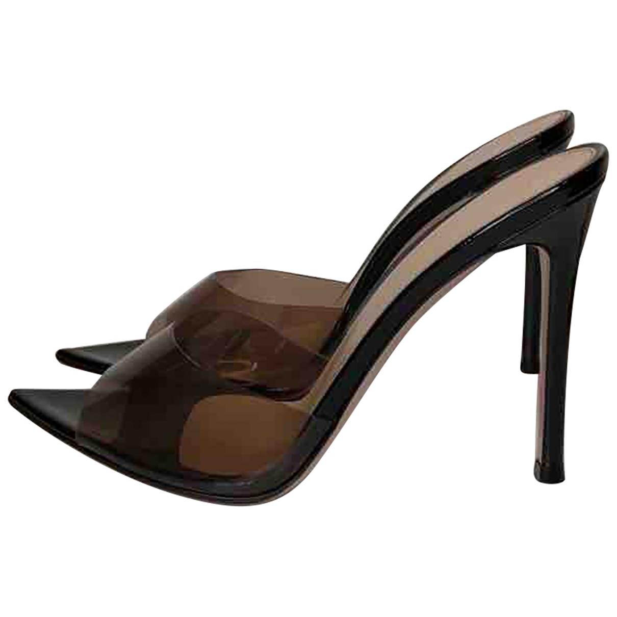 Gianvito Rossi \N Black Sandals for Women 35.5 EU