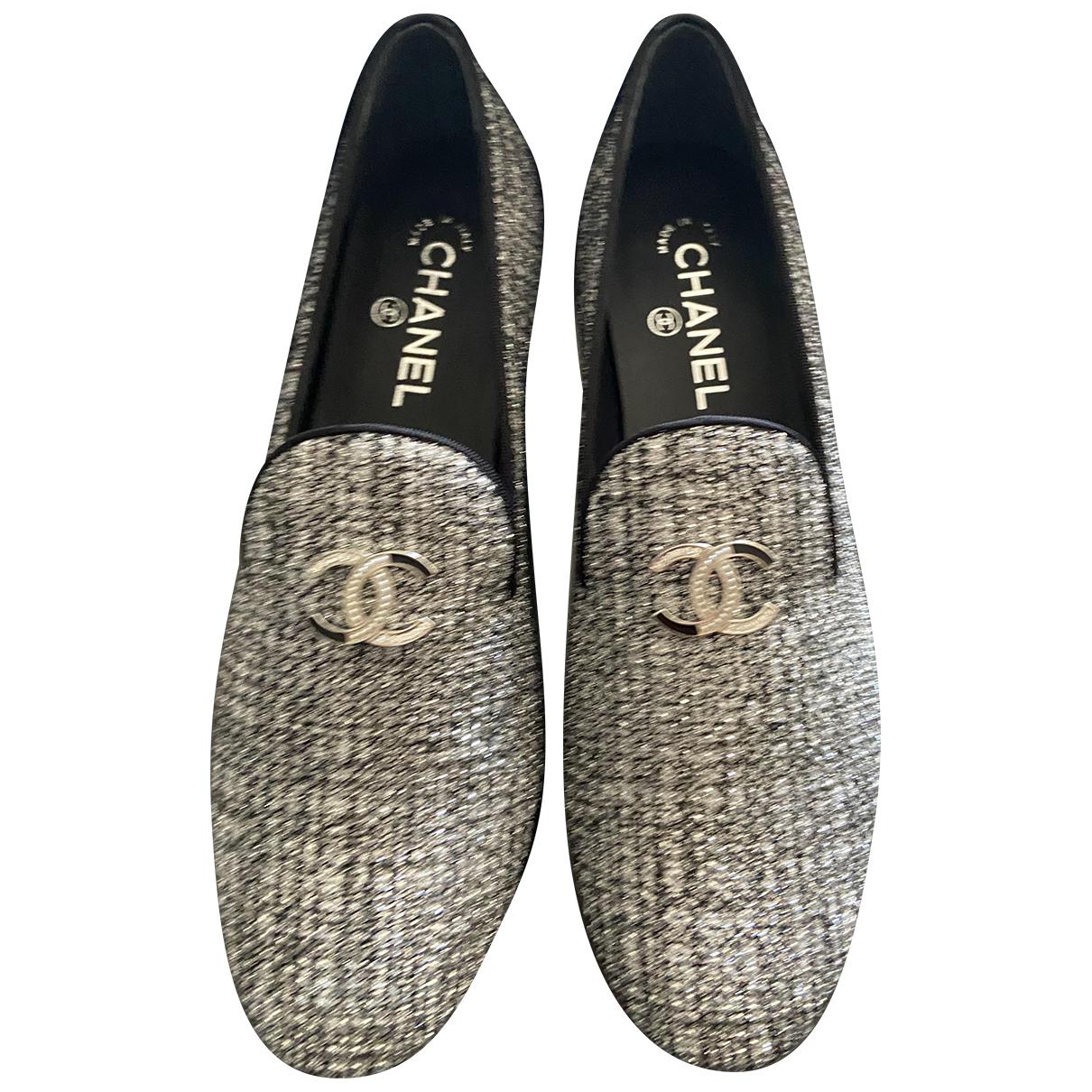 Chanel \N Mokassins in  Grau Leinen