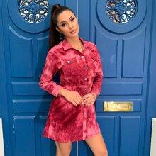 D&M Kleid mit Taschen Flicken, Ausschnitt und Batik