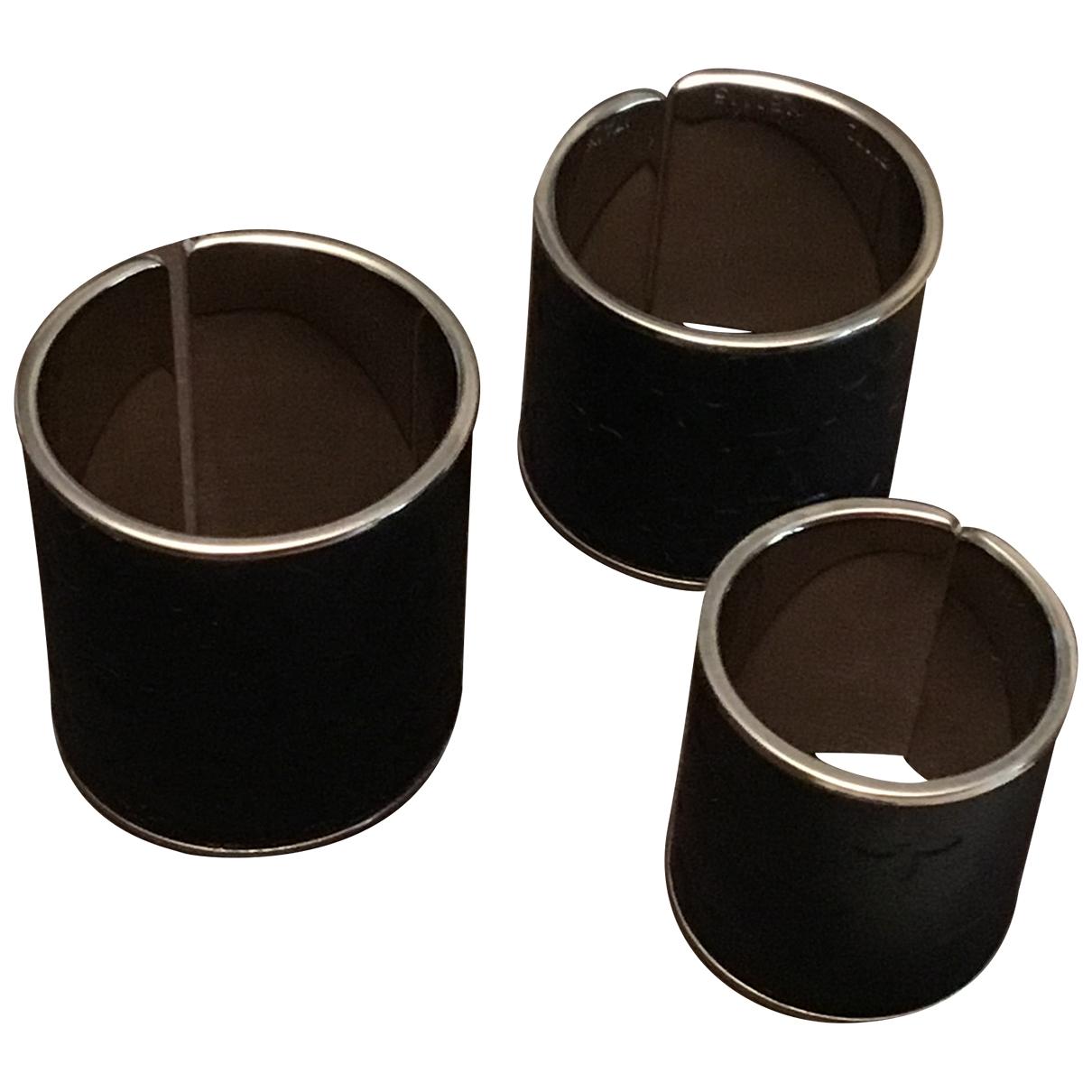 Louis Vuitton \N Ring in  Schwarz Metall