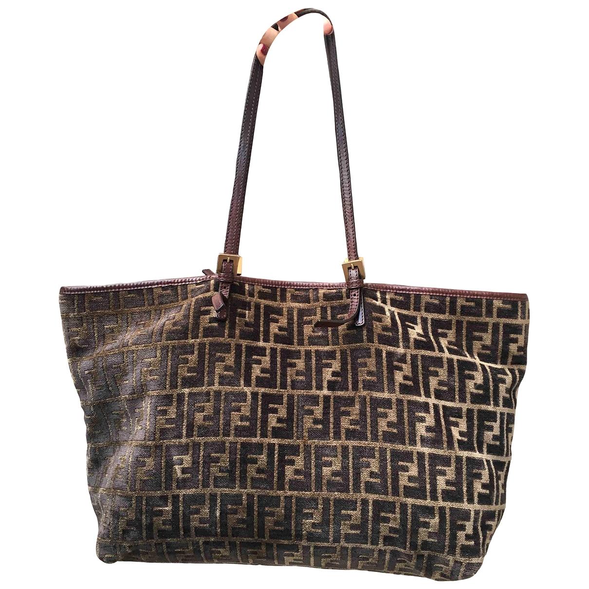 Fendi Roll Bag  Handtasche in  Braun Samt