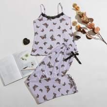 Conjunto de pijama ribete con encaje con estampado de mariposa