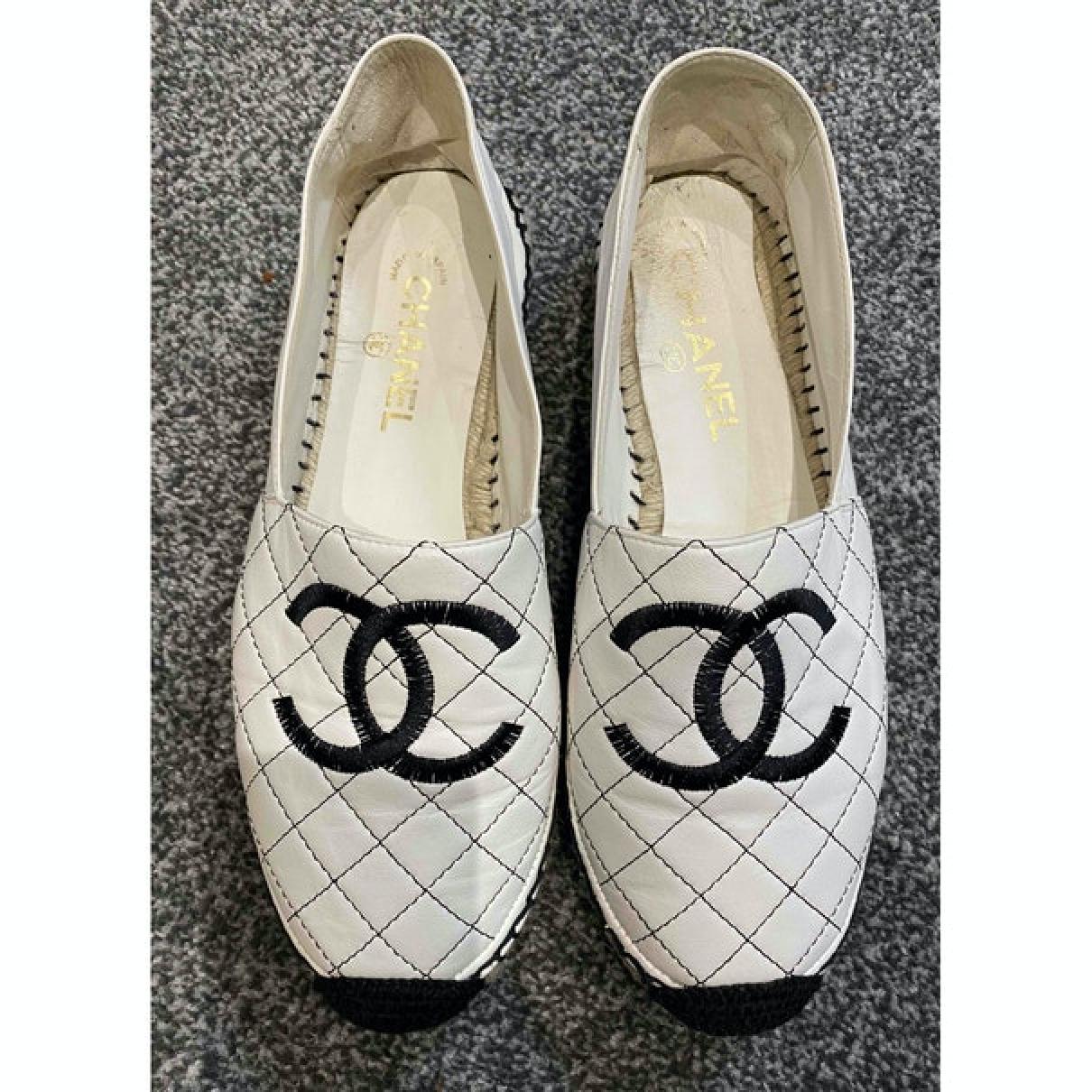 Chanel - Espadrilles   pour femme en cuir - blanc