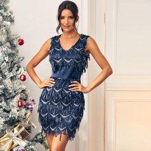 Kleid mit Pailletten, V-Kragen und Reissverschluss hinten