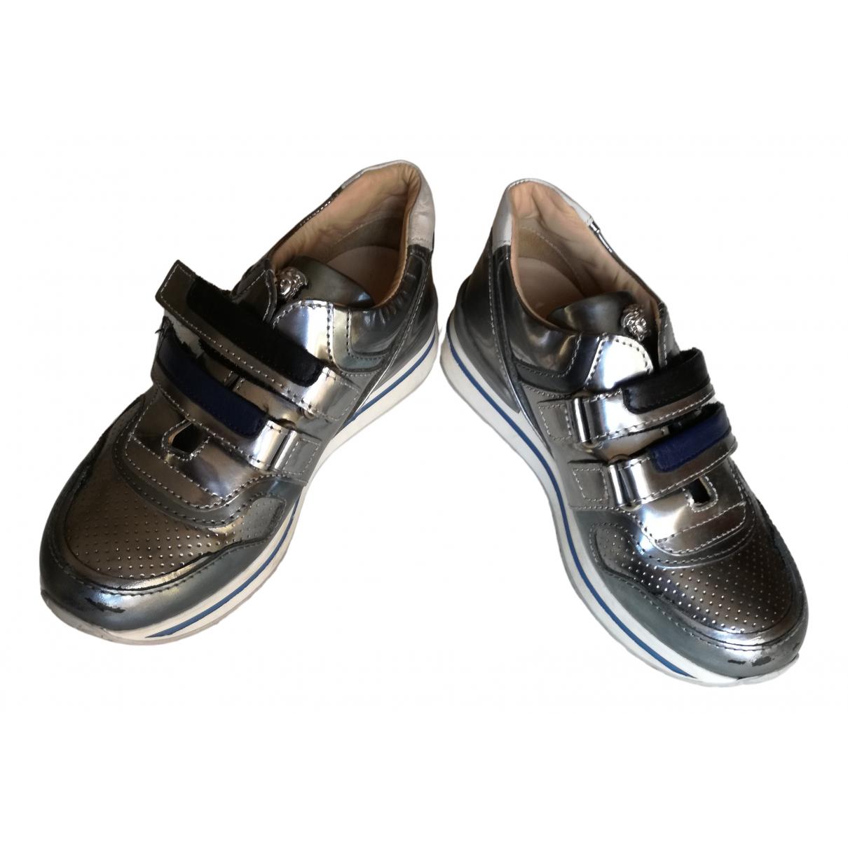 Versace - Baskets   pour enfant en cuir - argente
