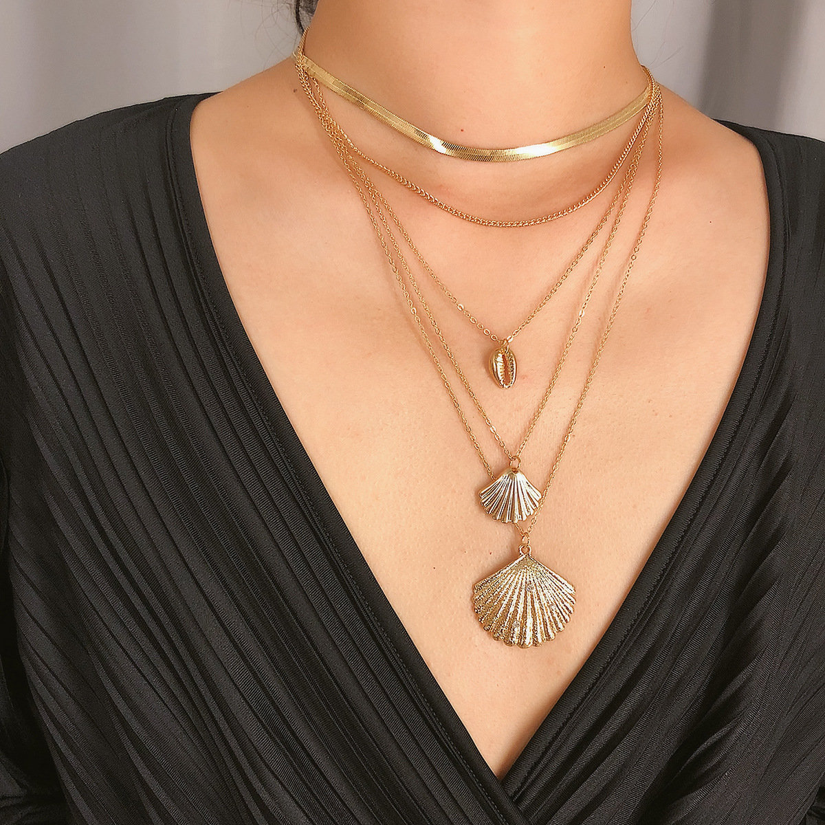 Bohemian Multi-layer Necklace Shell Pendant Alloy Chain Charm Necklace Ethnic Jewelry for Women