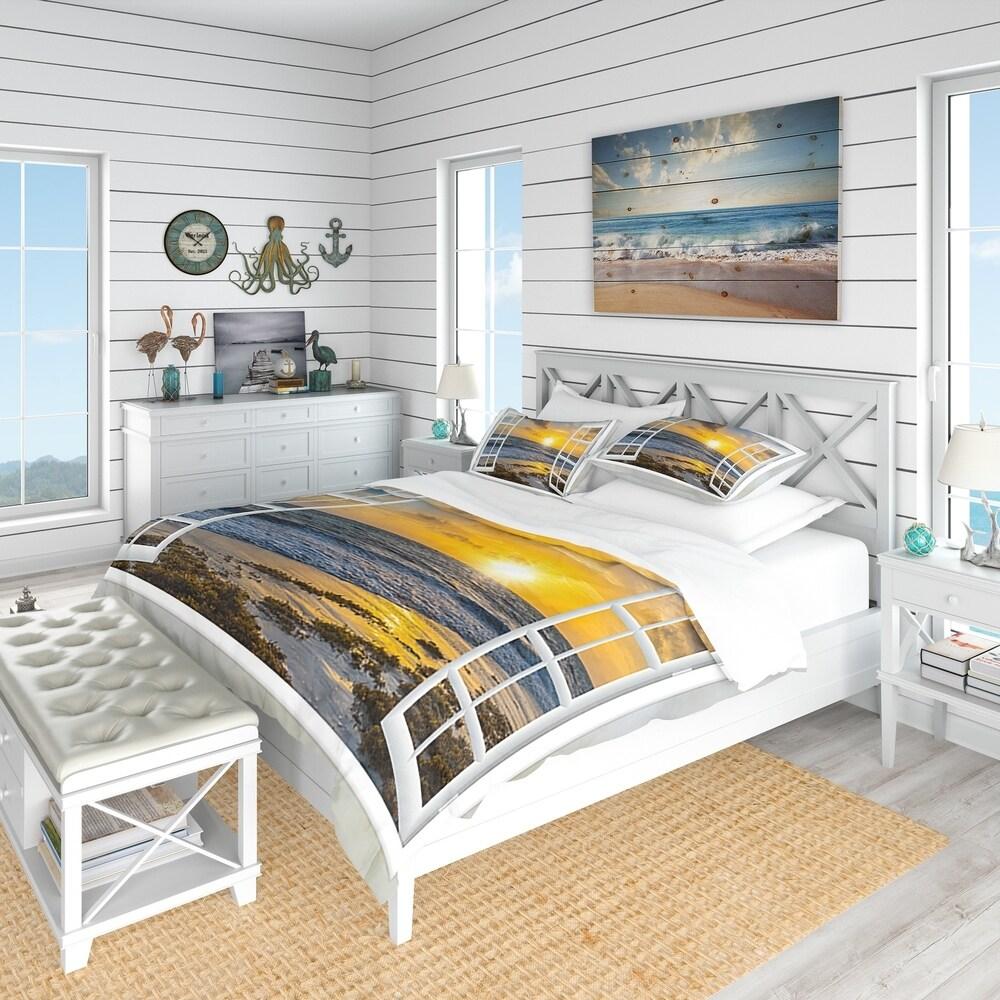 Designart 'Open Window To Bright Yellow Sunset' Coastal Bedding Set - Duvet Cover & Shams (Full/Queen Cover +2 Shams (comforter not included))