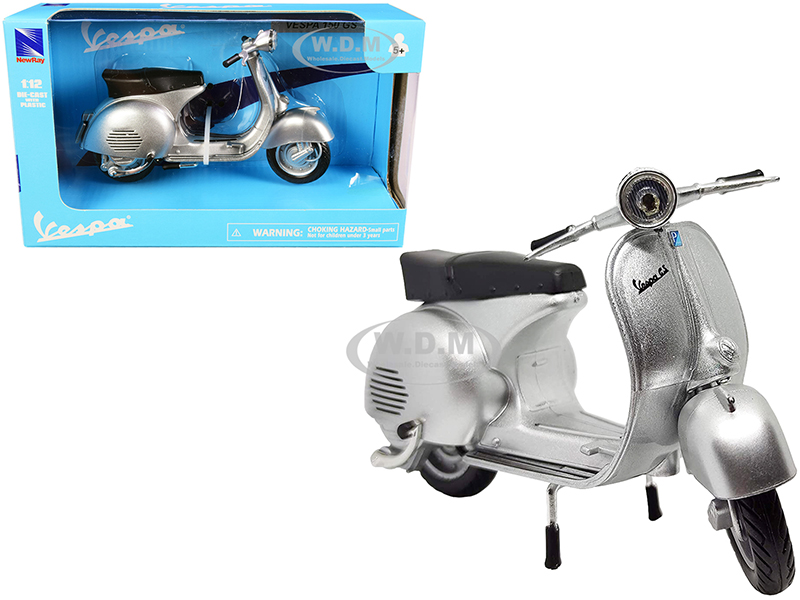 Vespa 150 GS Silver Metallic 1/12 Diecast Motorcycle Model by New Ray
