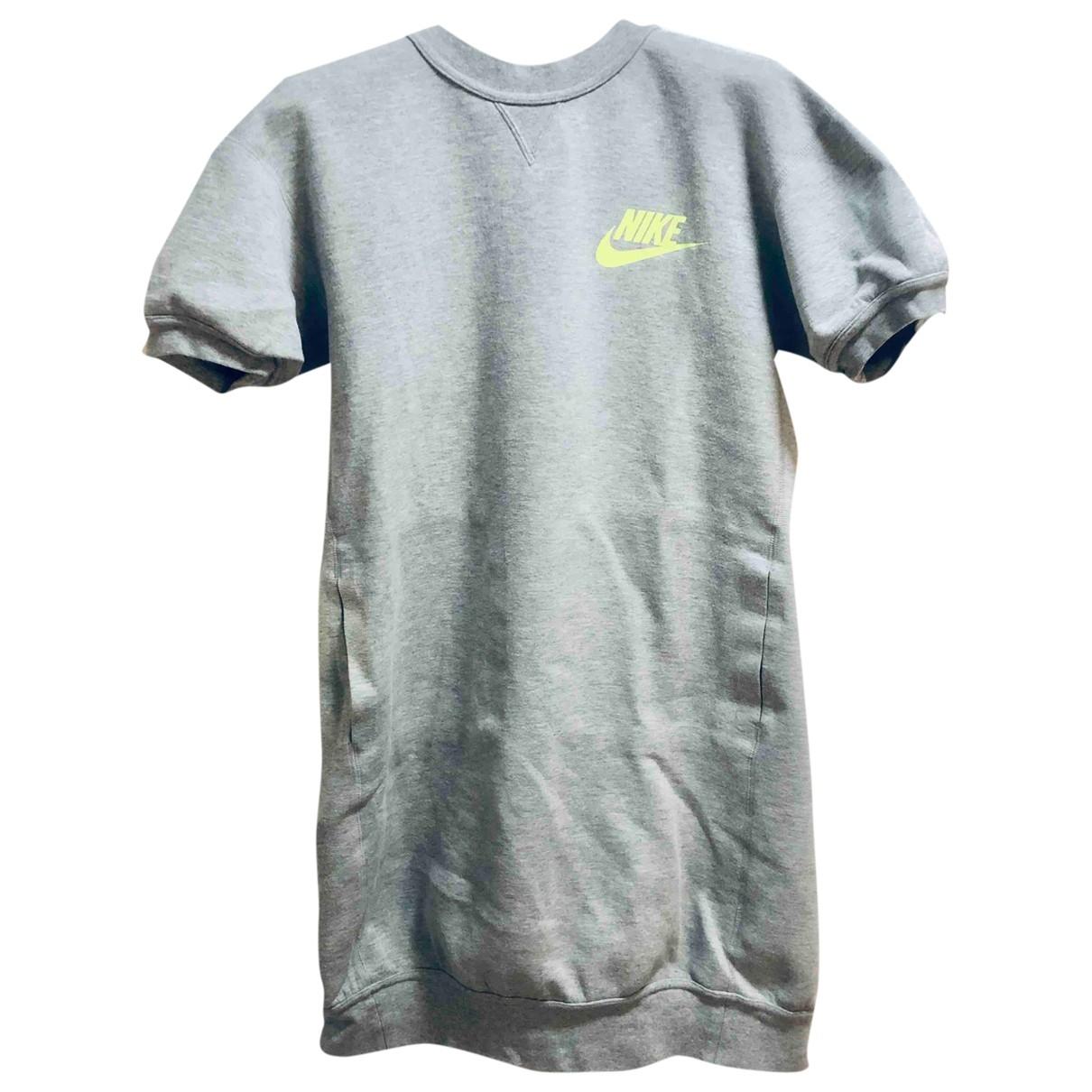 Nike X Sacai \N Kleid in  Grau Baumwolle