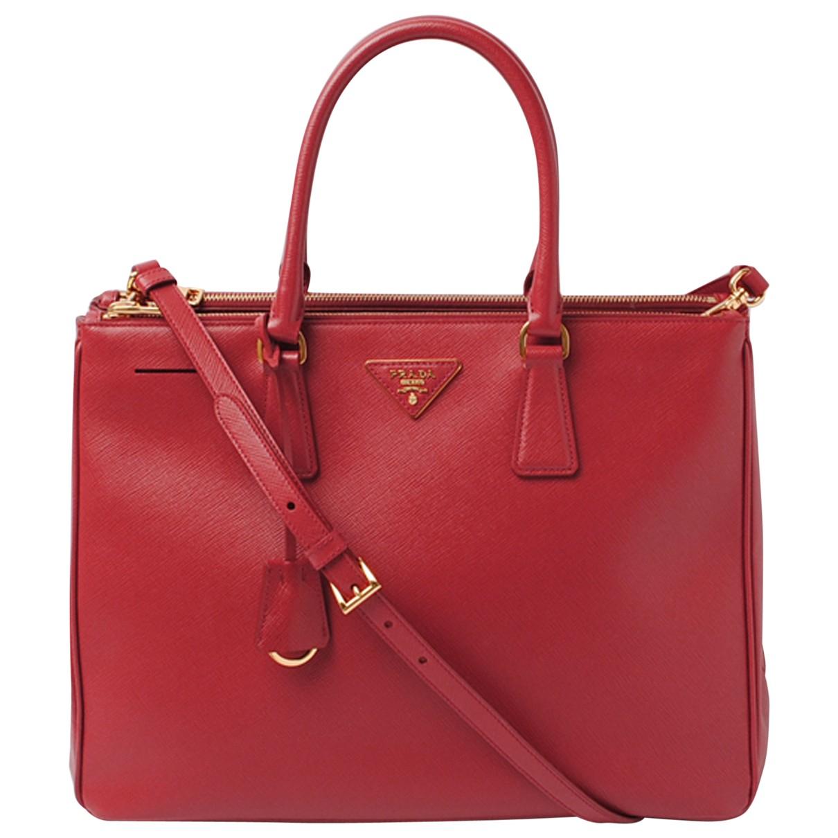 Prada Galleria Handtasche in  Rot Leder