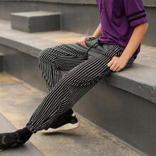 Hose mit Kordelzug um die Taille und Streifen