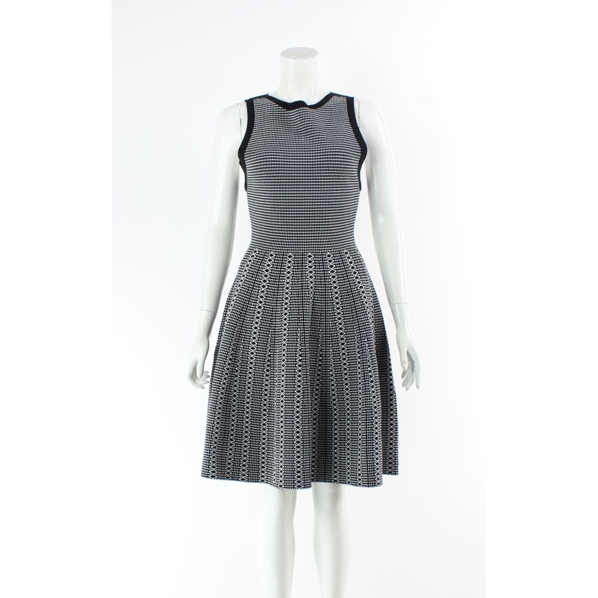 Alice & Olivia \N Black dress for Women S International
