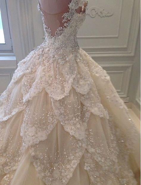 Vestido de novia lujoso fuera del hombro rebordear Vestidos de novia del tren capilla cristalina con gradas