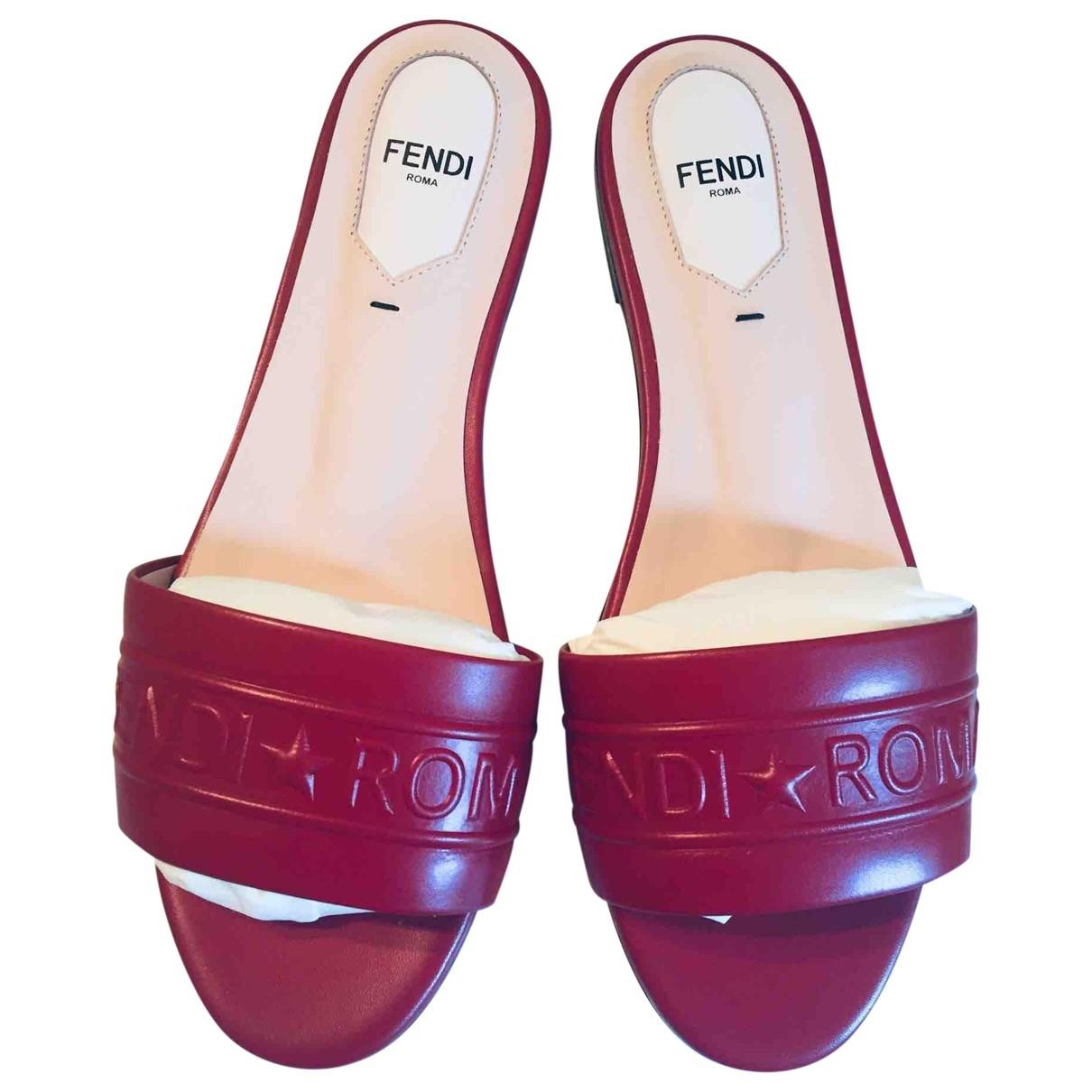 Fendi - Sandales   pour femme en cuir - rouge