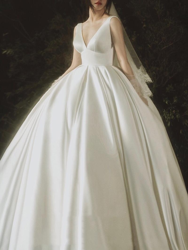 Ericdress V-Neck Empire Waist Lace-Up Wedding Dress