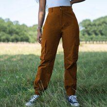 Pantalones con bolsillo con boton delantero
