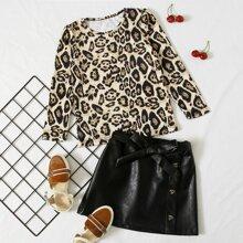 Camiseta con fruncido con estampado de leopardo con falda con cinturon
