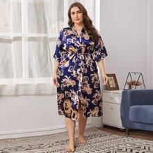 Plus Baroque Print Belted Satin Robe