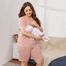 Pflege Schlafanzug Set mit Kontrast Bindung und Taschen vorn
