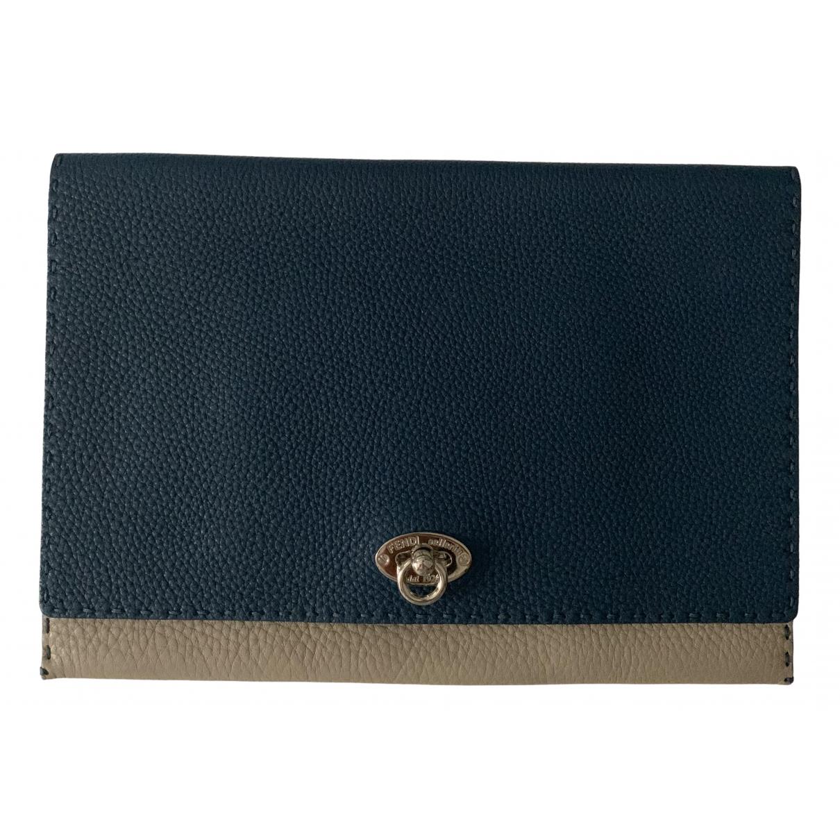 Fendi \N Blue Leather Clutch bag for Women \N