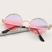 Kleinkind Maedchen Sonnenbrille mit getonten Linsen und rundem Rahmen